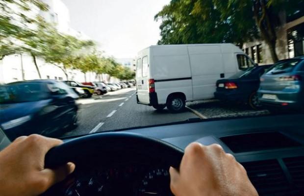Gefahr erkannt - Gefahr gebannt: Fahrzeuge mit Fahrerassistenzsystemen an Bord sorgen für mehr Sicherheit auf den Straßen. - Foto: djd/Robert Bosch