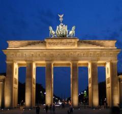 Bei einem Kurzurlaub in Berlin kommen Kulturreisende, Shoppingfans und Partygänger gleichermaßen auf ihre Kosten. - Foto: djd/www.kurzurlaub.de